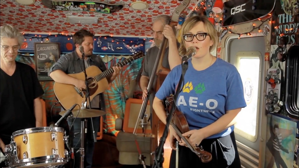 20150507th-sara-watkins-you-and-me-live-at-red-bull-records-jaminthevan